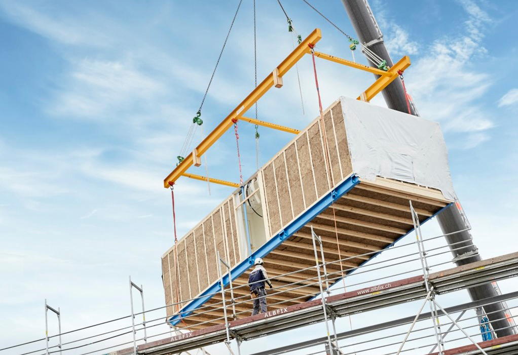 Assembling of modular timber construction on site